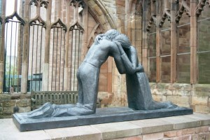 UK_Coventry_Statue-of-Reconcilliation